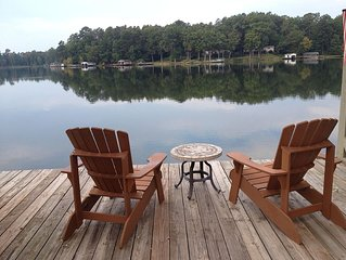 Lake Sinclair: Cozy, Lakefront Accomodations!