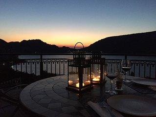 Magnificent Villa Between Lake And Sea