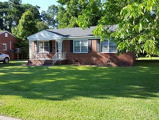 Comfortable Home In Pleasant New Bern Neighborhood
