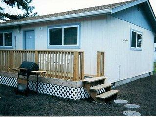 Cozy Studio Cabin 2 Blocks from the Ocean