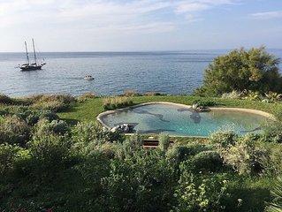 Villa Serao - Private Sea Access, Seawater Pool, Spa, Garden.