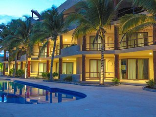 Luxury condo - Spectacular Caribbean views, easy access to pool and Jacuzzi