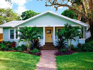 Picture Postcard Bungalow minutes from downtown and beaches