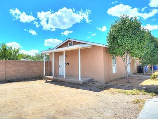 Amazing Location Close To Albuquerque Zoo! Unit A