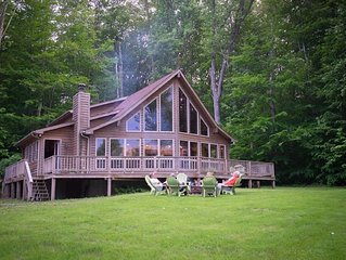 Borders National Forest! Outdoor Hot Tub! Dog Friendly!