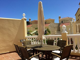 Beautiful New Town House With Shared Pool, Close To The Beach