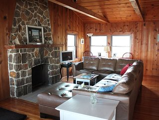 Beautiful Bay Front Cabin In Quiet Residential Community.. Nature Lover's Heaven