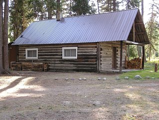 Real Log Cabin Near The Fisher River