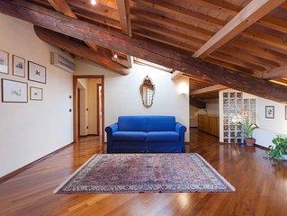 Leoni House Verona, elegant apartment in the historical center