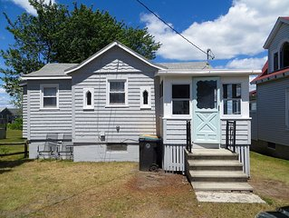 *2 Bedroom Pine Point Beach Cottage* With Marsh Views!