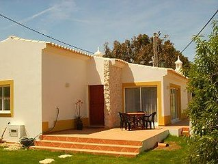 2 bedroom house with garden and secluded BBQ area, free Internet, beaches