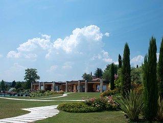 Relais Rosa Dei Venti: Superior 2 Bedroom Apartment, 2 Pools, Super Lake View