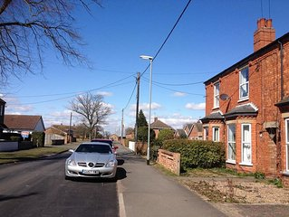 3 Bed House with Hot Tub in Charming Woodhall Spa.