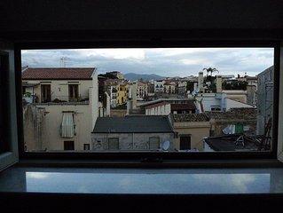 Nel centro sotrico di Palermo, tra la Cattedrale Normanna e il teatro 'Massimo'