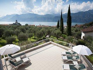 Apartments ' La Pervinca '  - 1 o P. Balconi - Giardino  - Solarium vista lago