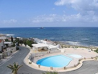 Comfortable Flat In a Small Exclusive Gated Complex on the Mediterranean Shore