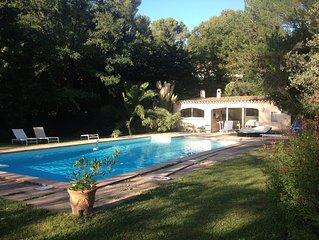 Villa provençale, rustique, clim, internet, piscine chauffée, partagée