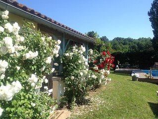 3 bedroom gite with private pool and large garden -  free wifi and full Sky TV