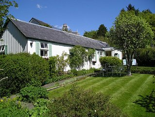 Dail na Coille Garden Cottage & Courtyard Studio in quiet, central location
