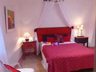 MAISON d'ARTISTE 3 ETOILES avec vue superbe au coeur de Roussillon en Provence
