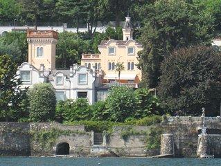 Appartamento a Belgirate Lago Maggiore in castello con torre , giardino privato
