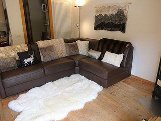 Beautiful apartment close to skiing and climbing with a private hot tub