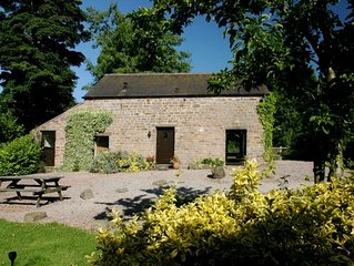 5* STUNNING LUXURIOUS BEAMED COTTAGE - SECLUDED P