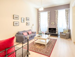 Luxury 2-bed, 2-bathroom Jewel apartment in central Budapest, excellent location