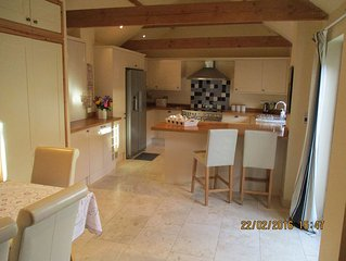 Valentine Cottage.Lovely Detached Barn.Warm & Stylish Interior.Near Lincoln