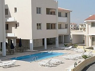 2 Bedroom Pervolia Larnaca Apartment with Air-Conditioning