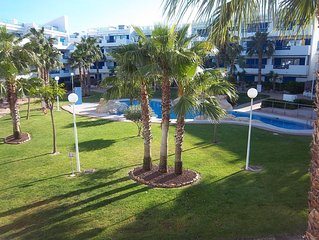 2bed 2bath 1st Floor Apartment Overlooking Pool, Close to Sandy Beaches