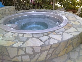 Oasi del Borgo - Uranus | villa overlooking the sea, pool, wifi, jacuzzi, clima