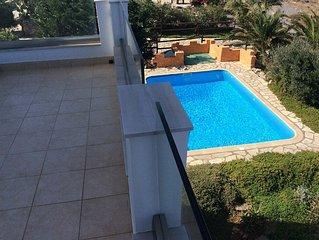 Maison deux chambres, vue imprenable sur la mer, piscine privee en pleine nature