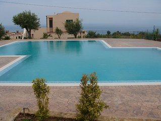 Sea View Apartment Sleeps 4 with Fantastic Pool