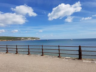 Water's Edge - Sea Front Self Catering Apartment in the Heart of Swanage