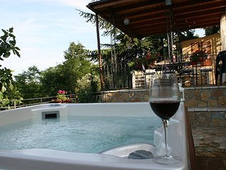 Chianti Holiday House, private jacuzzi up to 6 pax