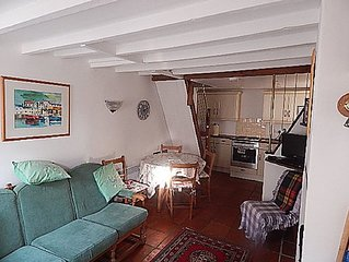 2 Bedroom, 18th Century Cottage in the centre of