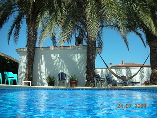 4 Bed villa with private pool 300m from the beach