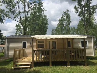Fully equipped 3 bedroom, 2 bathroom mobile home with awning and decking