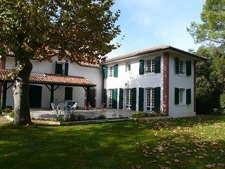 Maison de 1 etage sur terrain arbore de 2 000 M2, grande terrasse 100m2, auvent