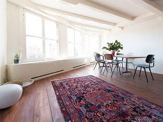 Light, bright, amazing apartment!