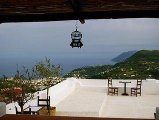 Il Gelso casa panoramica a Villa Paradiso. Lipari