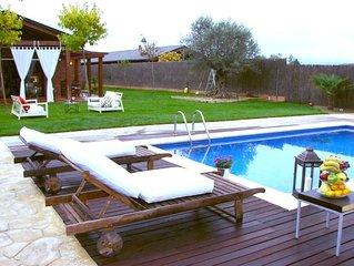 """Maison avec Jardin et Piscine particuliere a la """"Costa Brava""""."""