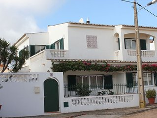 Attractive villa with Wifi and Pool in a friendly village location