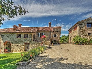 30% off Villa Tuscany Umbria border , private pool, suggested Family and friends