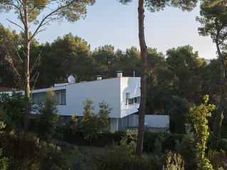 Luxury modern family-friendly villa short walk from Tamariu, with private pool