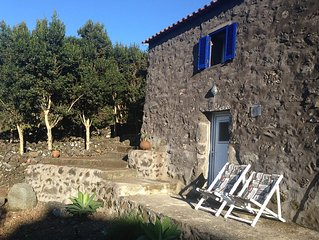 Casa Rústica na Ilha do Pico - Açores  (AL Nº 298)