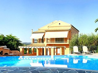 10 mins from Glyfada & Pelekas Beaches, and 20 mins from Corfu Town