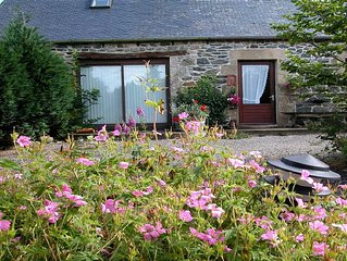 Owl Gite, sleeps 6, Fox's Lair bar on site