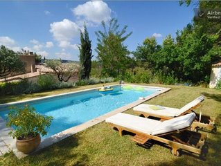 House 8-10 p. with pool in the countryside thus close to the city center of Aix